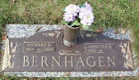"BERNHAGEN, RICHARD D. ""DICK"" - Dane County, Wisconsin | RICHARD D. ""DICK"" BERNHAGEN - Wisconsin Gravestone Photos"