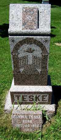 TESKE, ELVIRA - Kewaunee County, Wisconsin | ELVIRA TESKE - Wisconsin Gravestone Photos
